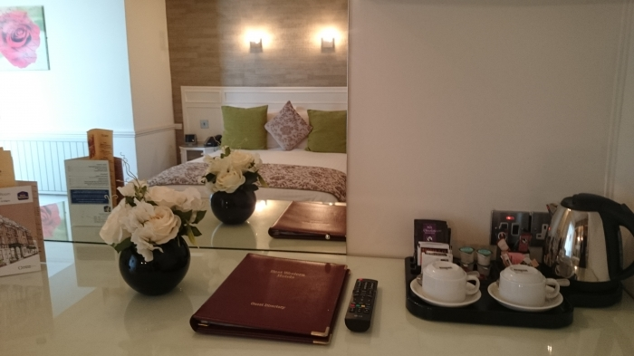 Double bedroom - Tea and Coffee tray